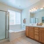 346 Hollyhill Dr 2460px 12